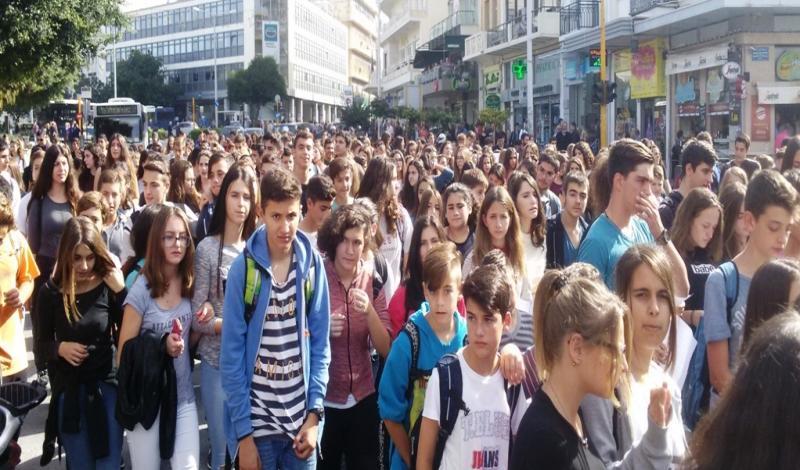 Χαιρετίζουμε τον αγώνα των μαθητών